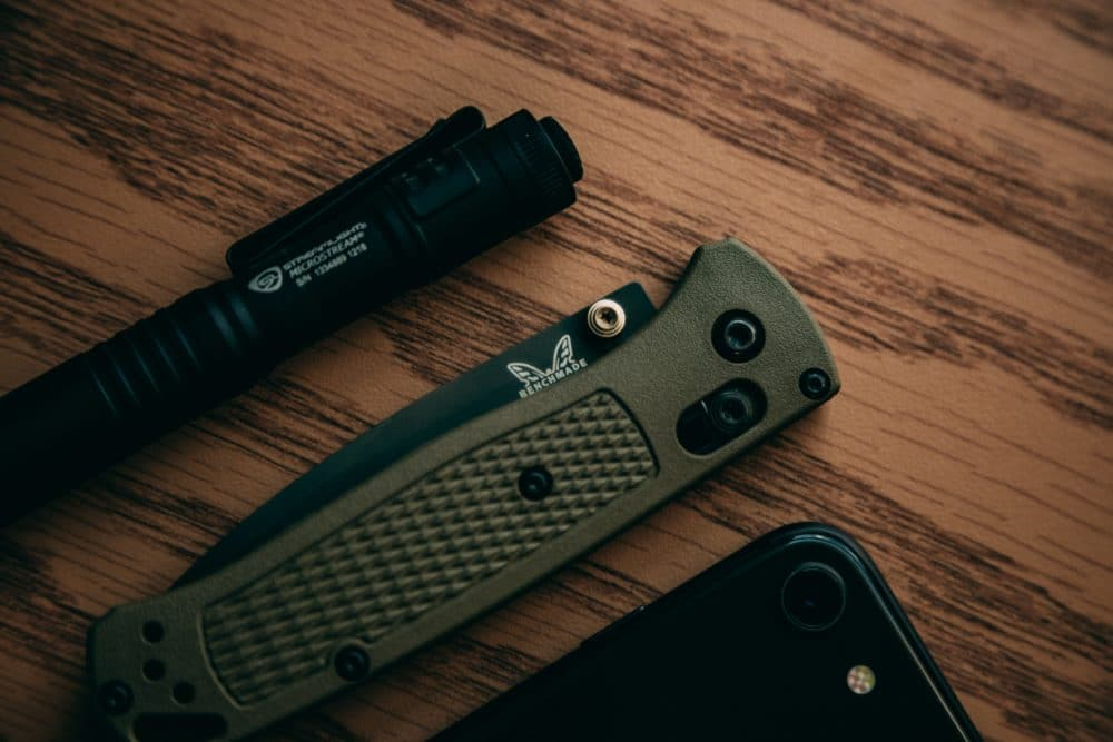 A Benchmade knife and a pen.