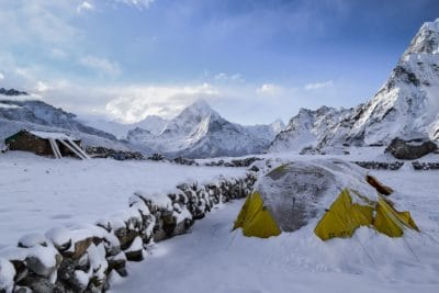 A tent in the snow.
