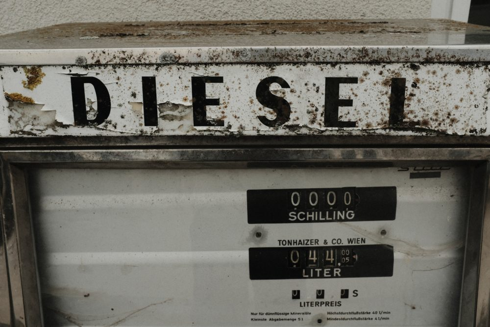 A sign with the word diesel on it.