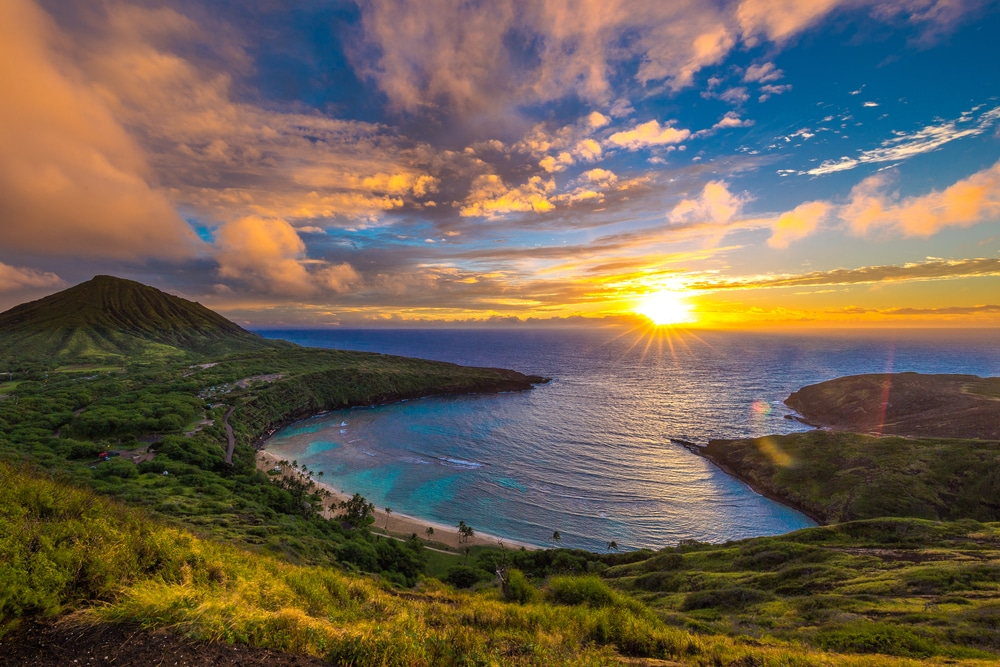 Sunrise from Hanauma Bay on Oahu, Hawaii.