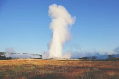 Old Faithful geyse