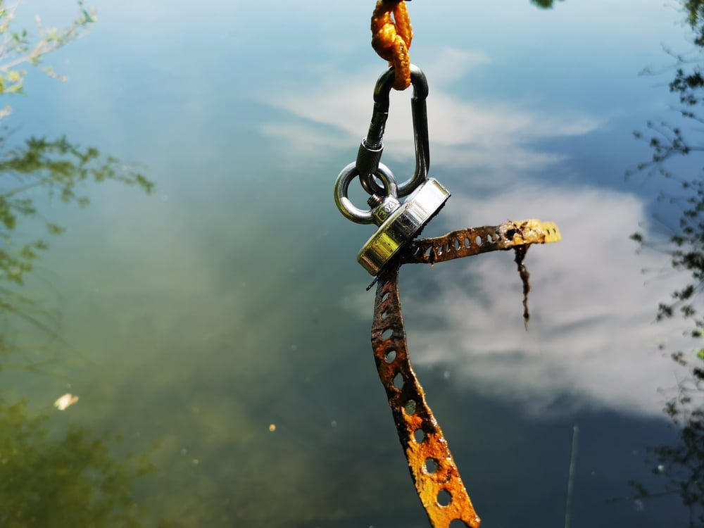 Fishing with a neodymium magnet